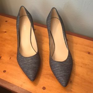 Nine west size 8 M Blue heels Textile upper
